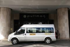 Dàn xe 16 chỗ của MGM phục vụ Quý khách hàng tại khách sạn 5 sao Pullman Sài Gòn