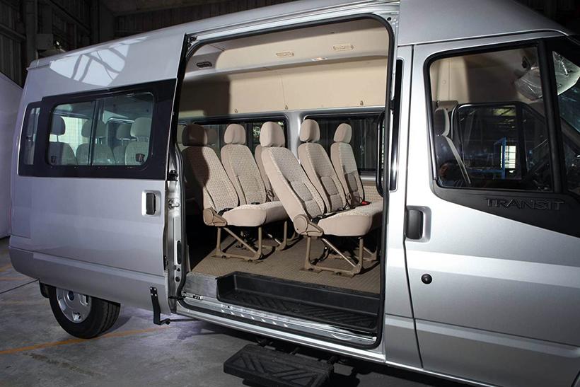 Cho thuê xe du lịch 16 chỗ đi Nha Trang